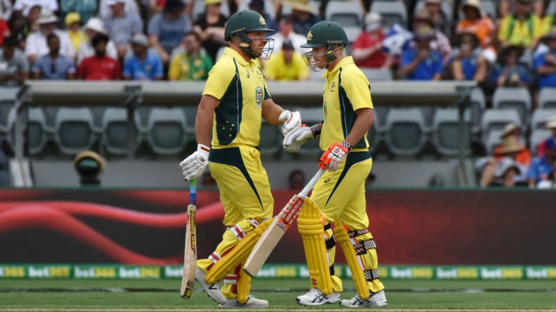 Hussey would like to see Aaron Finch and David Warner opening together
