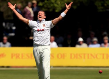 Essex confirm Peter Siddle return