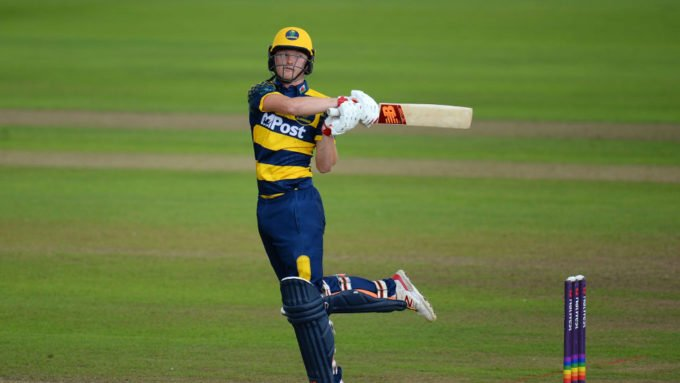 Donald rejects Glamorgan for Hampshire