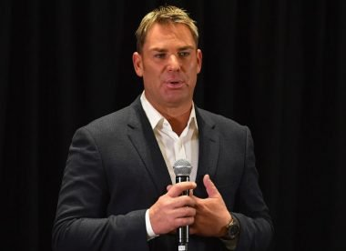 Warne loses cool and accuses Australian tabloids of 'making up crap'