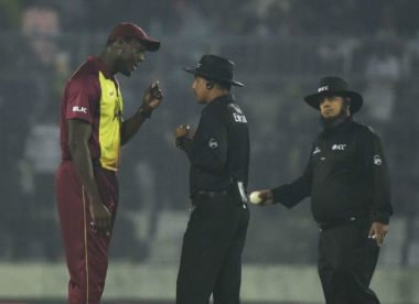 'I had a bad day' – umpire on wrong no-ball calls that caused eight-minute delay