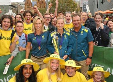 Women's cricket continues to flourish in Australia but men's game has slumped
