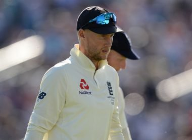 Boycott calls for Root's head if England lose at Headingley