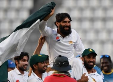 Misbah-ul-Haq applies for Pakistan head coach job