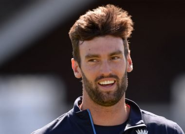 Reece Topley joins Surrey on two-year white-ball deal