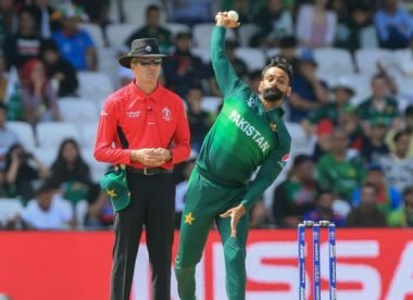 Mohammad Hafeez's bowling action deemed illegal by ECB
