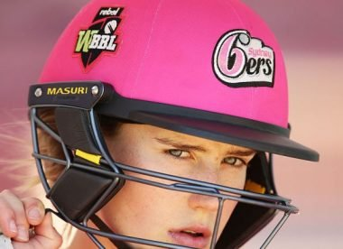Ellyse Perry signs two-year extension with Sydney Sixers