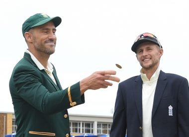 Watch: New coin flip technique can't change Faf du Plessis' bad luck