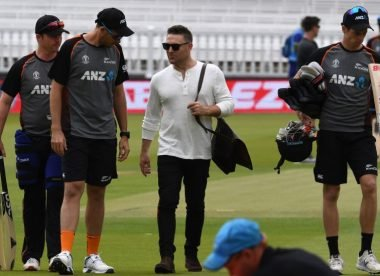Brendon McCullum questions New Zealand attitude after bruising day in Sydney Test
