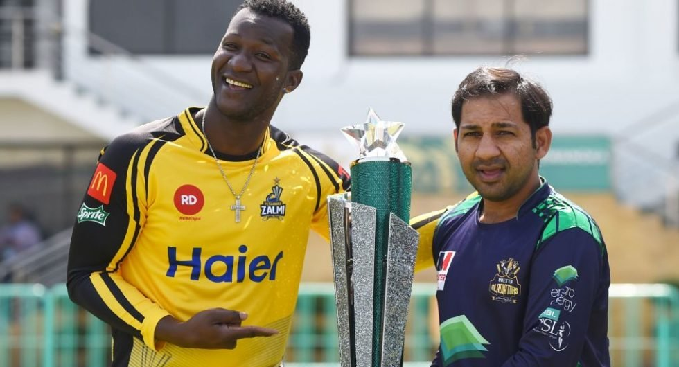 Darren Sammy and Sarfraz Ahmed with the PSL trophy