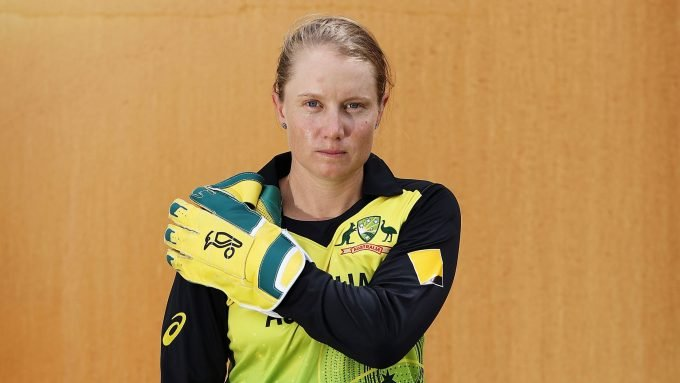 Alyssa Healy takes aim at 'weirdos' hoarding toilet paper