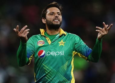 Former Pakistan star Shahid Afridi tests positive for Covid-19