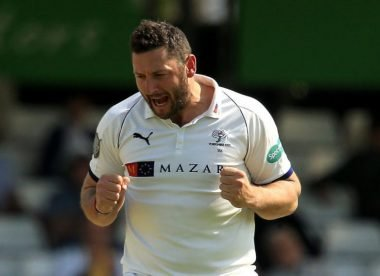 Warwickshire sign Tim Bresnan from Yorkshire