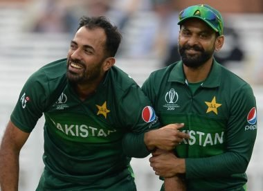Hafeez, Wahab among six Pakistan players cleared to make England trip