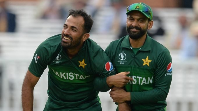 Hafeez, Wahab among six Pakistan players cleared to make England trip