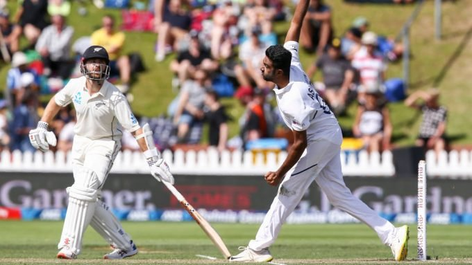 Ashwin wants technological intervention for non-strikers backing up