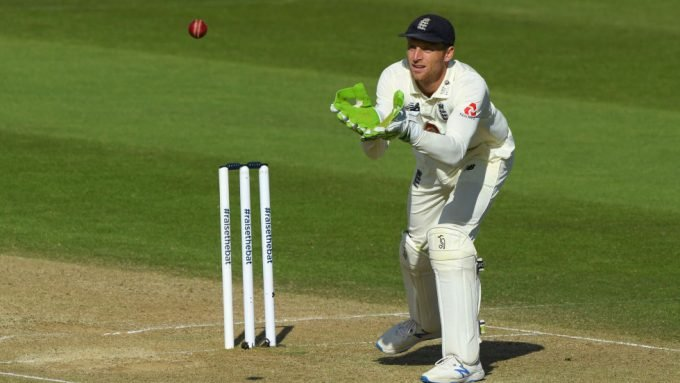England to back Jos Buttler as Ben Foakes' wait continues