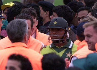 When Saqlain Mushtaq's wife saved him from angry fans after 1999 World Cup final loss