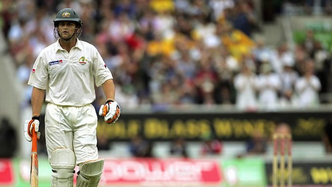 Gilchrist was 'strangled' by self-doubt & fear of failure during 2005 Ashes