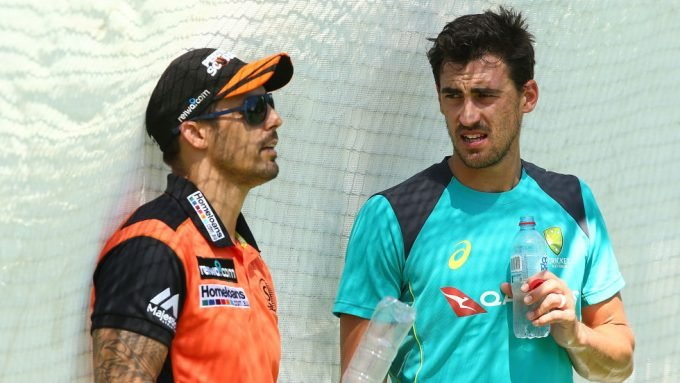 How Mitchell Johnson smoothed things over with Starc after misinterpreted 'body language' criticism