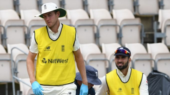 Stuart Broad considered retirement after being dropped for first Test