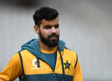 Pakistan 'bonkers' to pick two spinners for opening England Test
