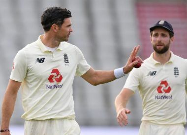 Nasser Hussain: Woakes now ahead of Anderson in England pecking order
