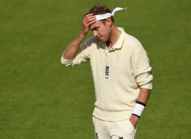 Stuart Broad becomes embroiled in row with journalist on Twitter