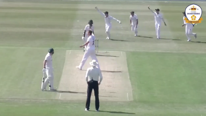 Watch: Derbyshire keeper effects bizarre stumping