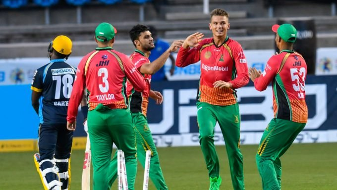 Chris Green bowls 21 dot balls in extraordinary four-over T20 spell