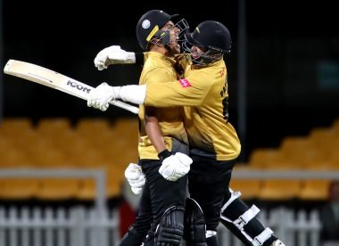 Confusion reigns as five-run fake fielding penalty helps Foxes down Notts