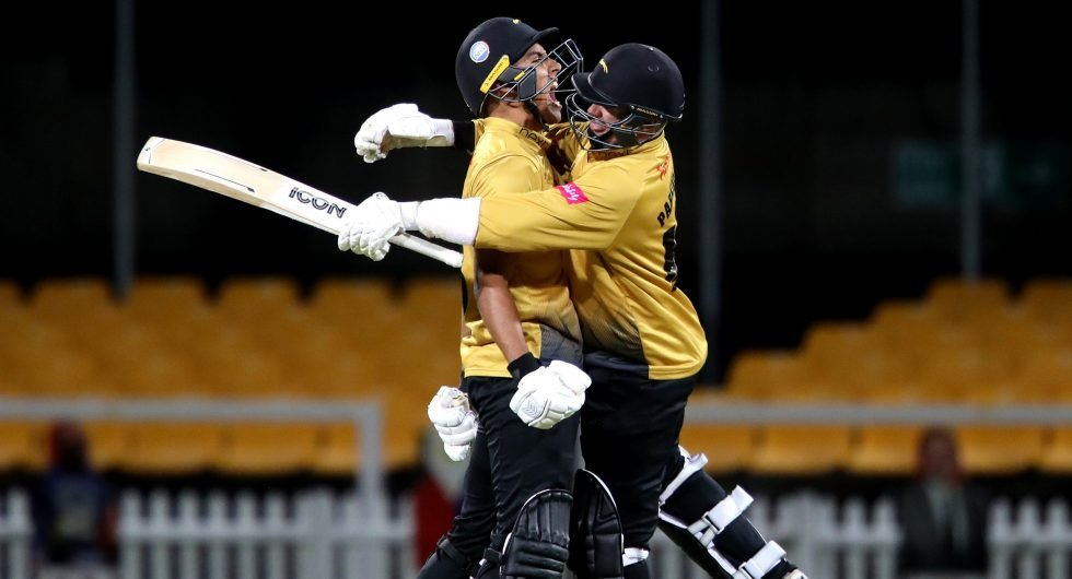 Confusion Reigns As Fake Fielding Penalty Helps Foxes Down Notts