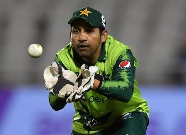 Sarfaraz posts cryptic tweet in apparent response to backlash over missed stumping