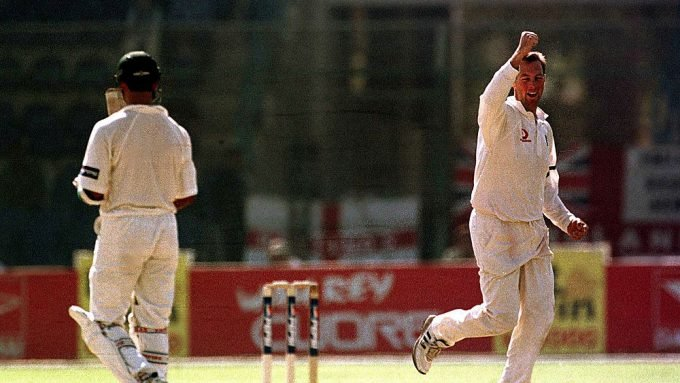 When Marcus Trescothick bowled first change in a classic England Test win