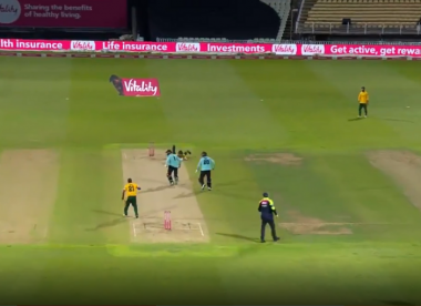 Watch: Jason Roy and Hashim Amla involved in spectacular mix-up