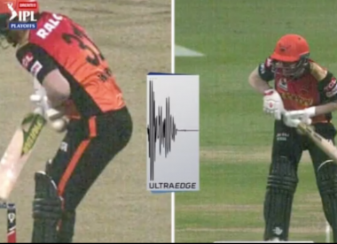 Controversial DRS call involving Warner divides opinion in IPL 2020
