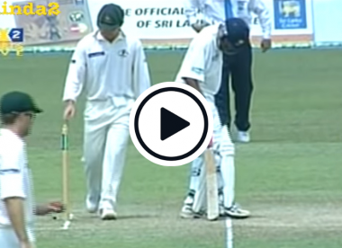 Watch: The controversial Justin Langer bail tapping incident that's been likened to Scuffgate