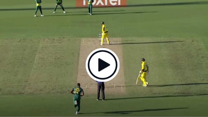 Watch: The George Bailey batting stance that puts Fawad Alam in the shade