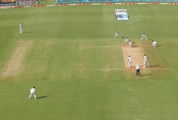 Pundits, former cricketers trash Motera pitch, India defend it