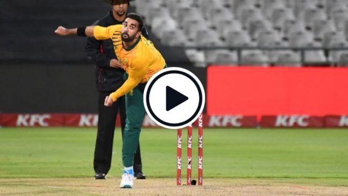 Watch: Tabraiz Shamsi's run up gimmick that was similar to Andre Russell's IPL one