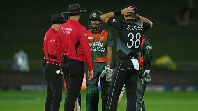 T20I delayed in chaotic circumstances after Bangladesh begin chase without DLS target