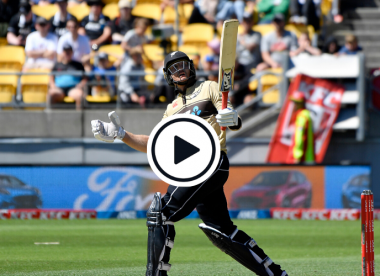 Watch: Gigantic Martin Guptill six lands on the roof