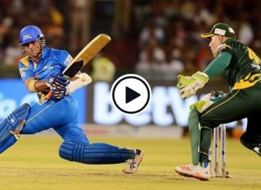 Highlights: Sachin Tendulkar smashes 37-ball 60, replete with his trademark strokes
