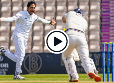 Watch: Mohammad Abbas takes incredible new-ball hat-trick in 17-ball County Championship five-wicket haul