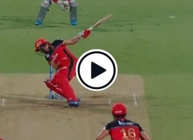 Watch: The AB de Villiers no-look six off a beamer that landed on the roof