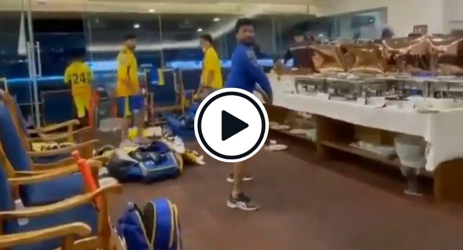 Watch: Ravindra Jadeja imitates Graeme Smith's batting stance in CSK dressing room