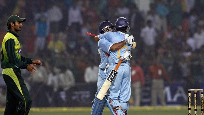 The match-winning Dhoni promotion over Yuvraj, four years before the 2011 World Cup final