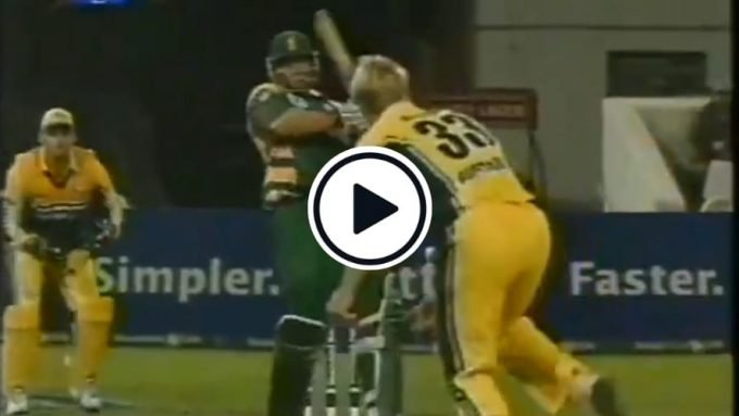Watch: Watson bowls the slowest of slow bouncers that has Kallis playing a shot twice