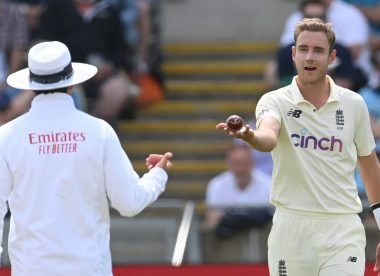 'His fingers are underneath the ball' - Frustrated Stuart Broad remonstrates with umpire after Devon Conway ruled not out