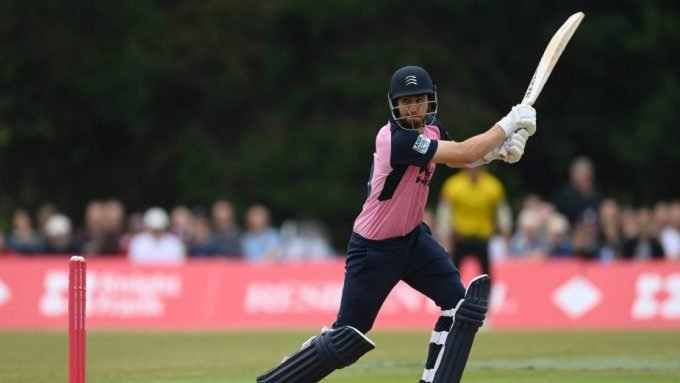 Middlesex website criticises umpires after 'almost farcical' DLS defeat in T20 Blast